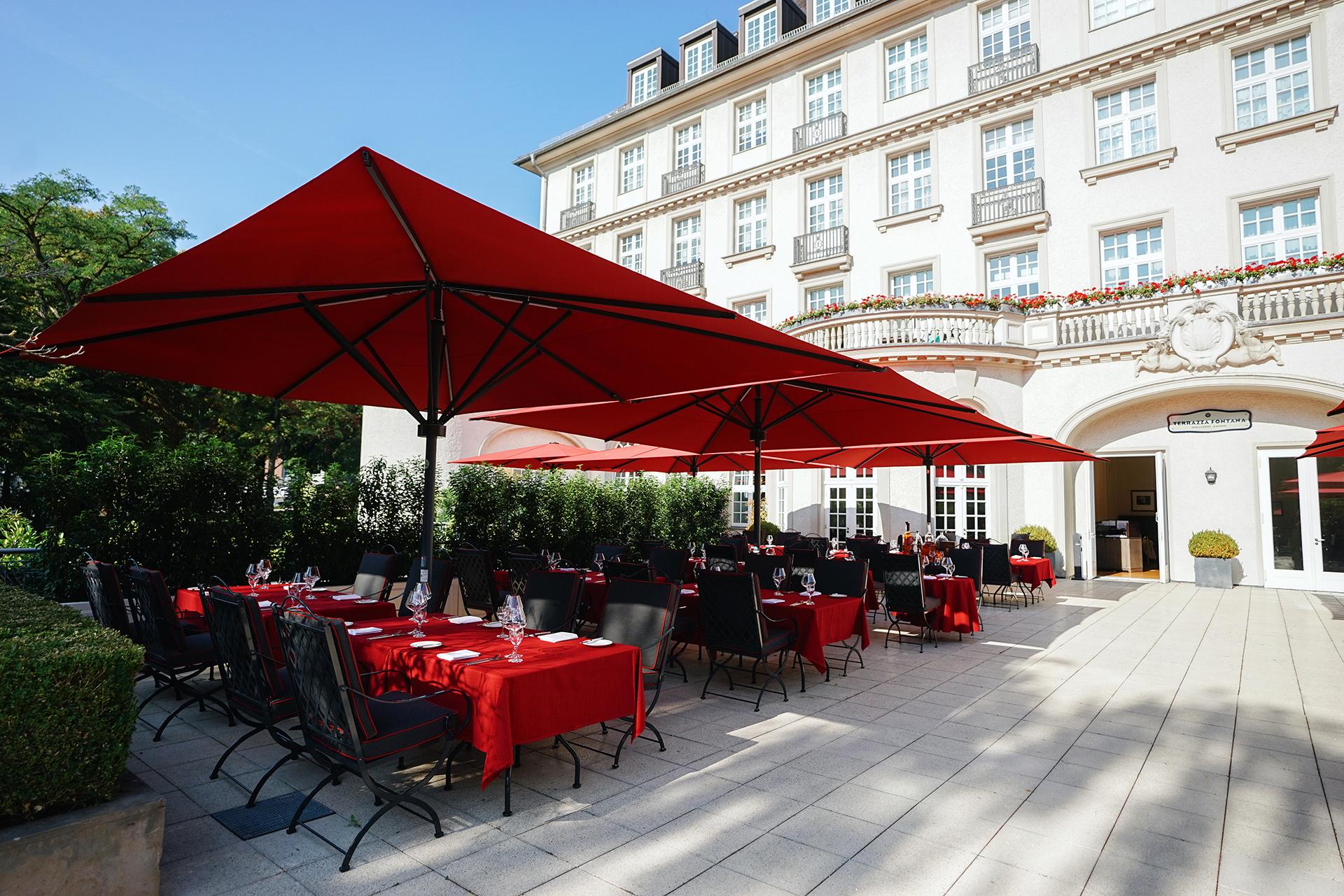 Restaurant La Brasserie mit Terrasse im Parkhotel Quellenhof